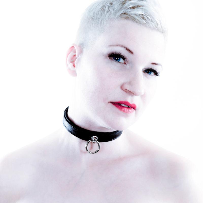 SiaLinda Halsband Elch schwarz