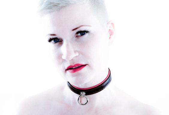 SiaLinda Halsband Elchleder rot
