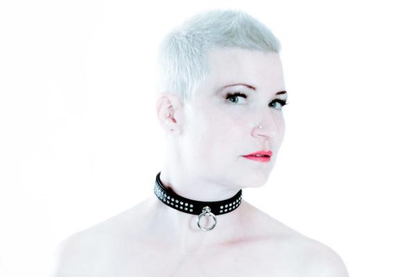 SiaLinda Halsband Elchleder mit Kristall